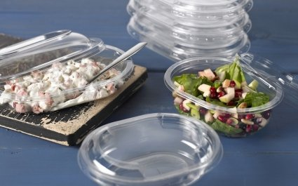 Oval clear trays with salads and clear lids - Plus Pack