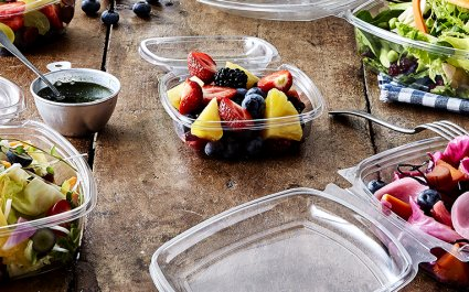 SquarePac™ food packaging plastic trays, rPET, recycled PET, hinged lid, sustainable, food waste